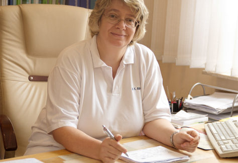 Dr. med. Karin Abbel
